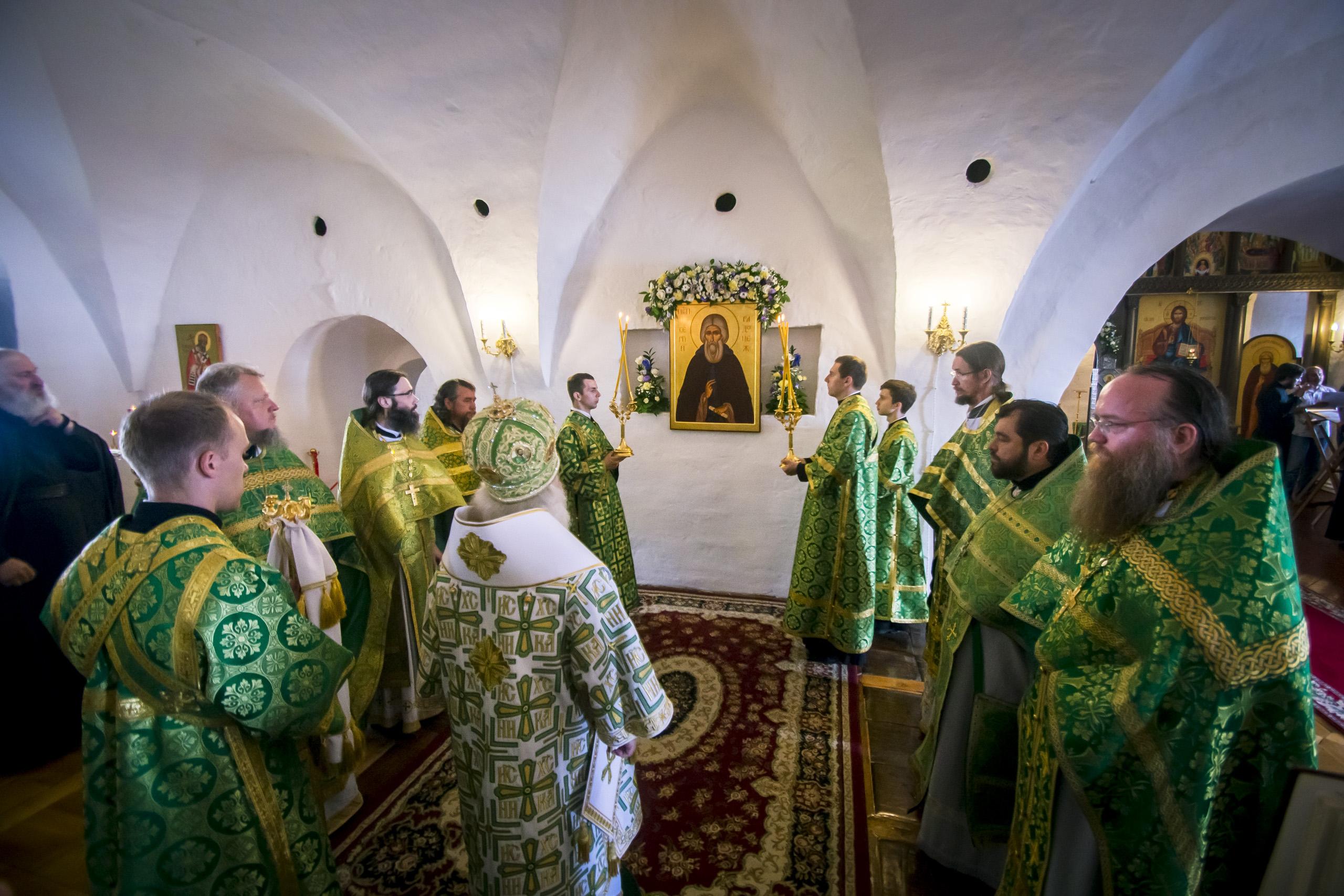 Настоятель Кизического мужского монастыря сослужил митрополиту Феофану в освящении древний храм Свияжска