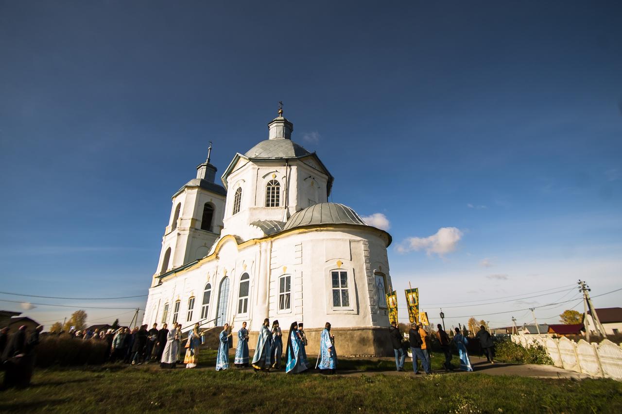 Настоятель Кизического монастыря сослужил правящему архиерею в день праздника Покрова Пресвятой Богородицы