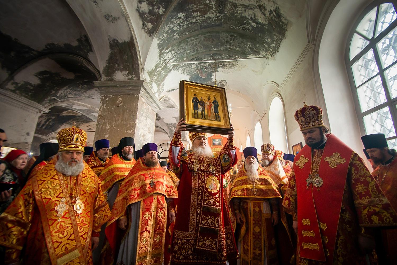Настоятель монастыря принял участие в прославление в лике святых протоиерея Павла Дернова и его трех сыновей