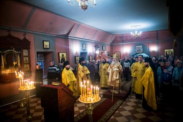 В канун Недели Торжества Православия митрополит Феофан возглавил всенощное бдение в Кизическом монастыре Казани
