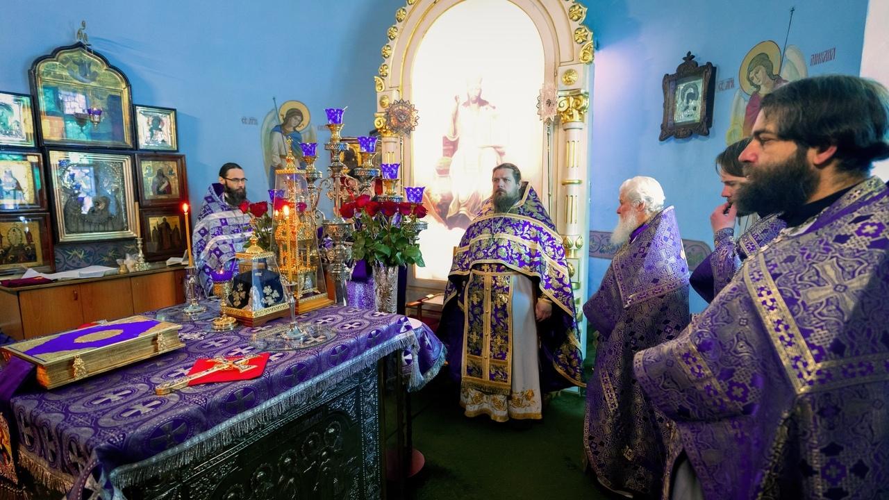 Настоятель Кизического монастыря принял участие в престольном празднике в храме Ярославских чудотворцев г. Казань